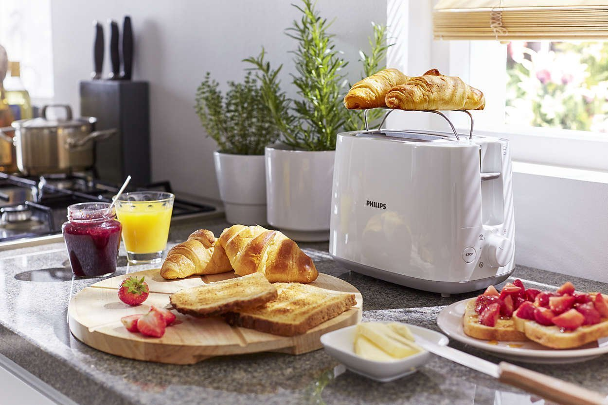 Philips Daily Collection HD2582/00 830-Watt 2-Slice Pop-up Toaster (White)