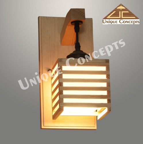 WALL MOUNTED LAMPS