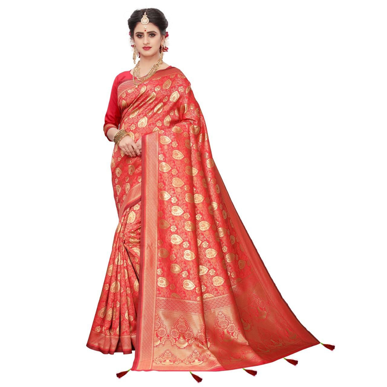 Rich Pallu banarasi Silk Saree with Jacquard Work  & Latkan