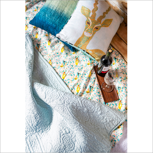 Quilts with Cushion Cover Set