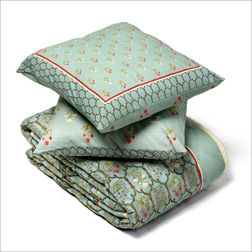 230 GSM Quilt And Cushion Cover Set