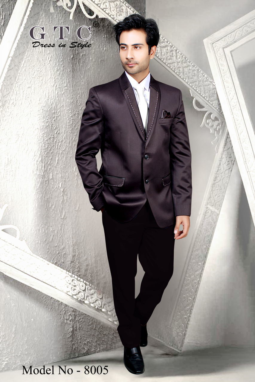 Fashionable Men's Suit