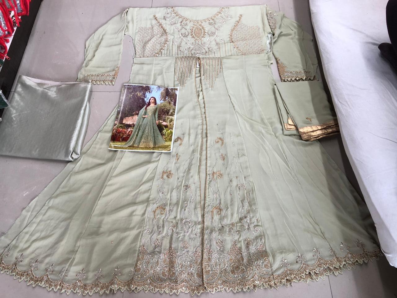Raazi:-20017 suit