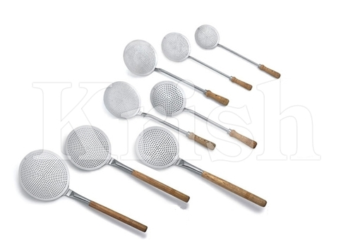 Professional Frying Skimmer With Wooden Handle
