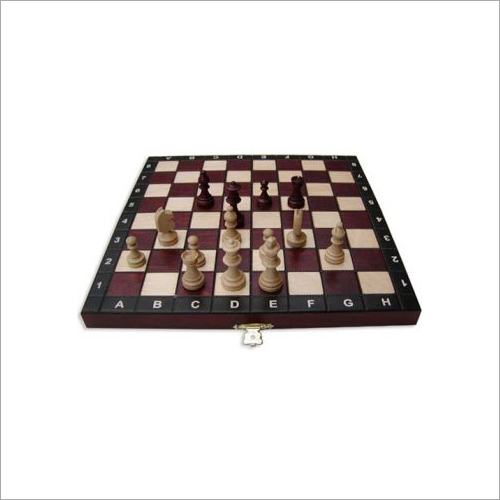 27 x 27 cm Touristik Chess Set