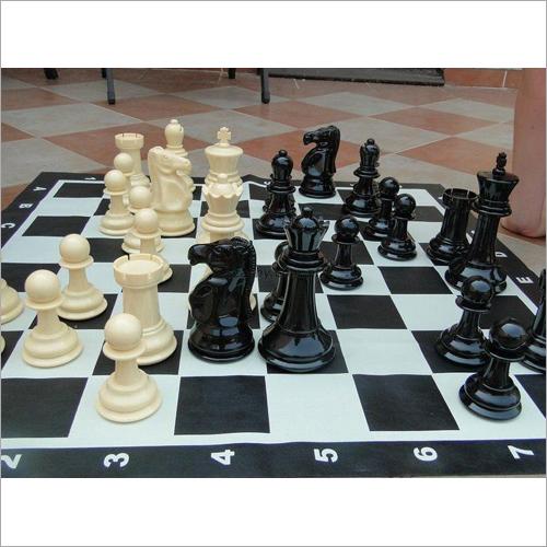 91 x 91 cm Plastic Chess