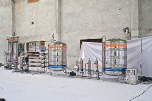1 ltr bottle Rinsing filling capping machine
