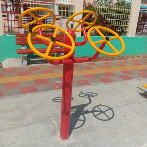 Outdoor Gym Four Arm Wheel