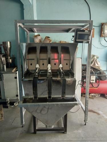 Four Head Weigher Machine