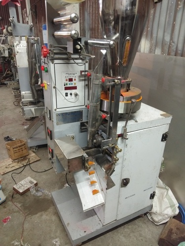 F.F.S POUCH PACKING MACHINE