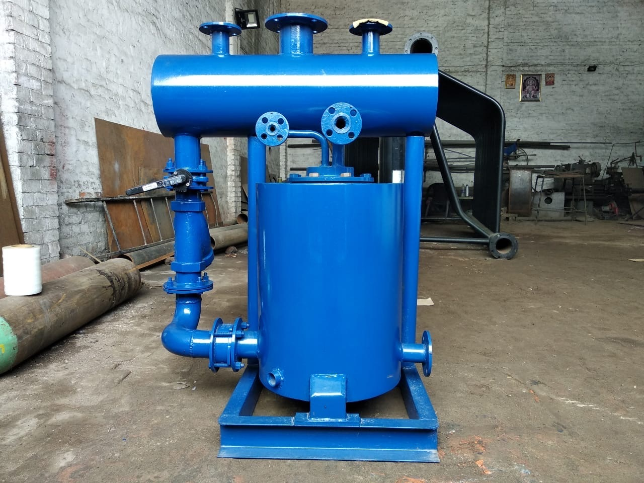 Steam condensate recovery unit