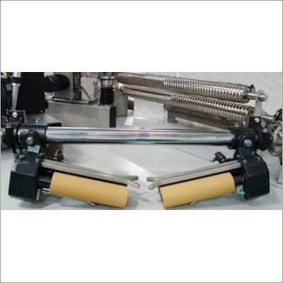 Pneumatic Cloth Guider Machine