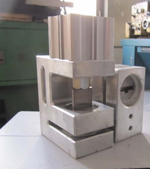 Butterfly Hole puncher/Hole puncher/Plastic film puncher