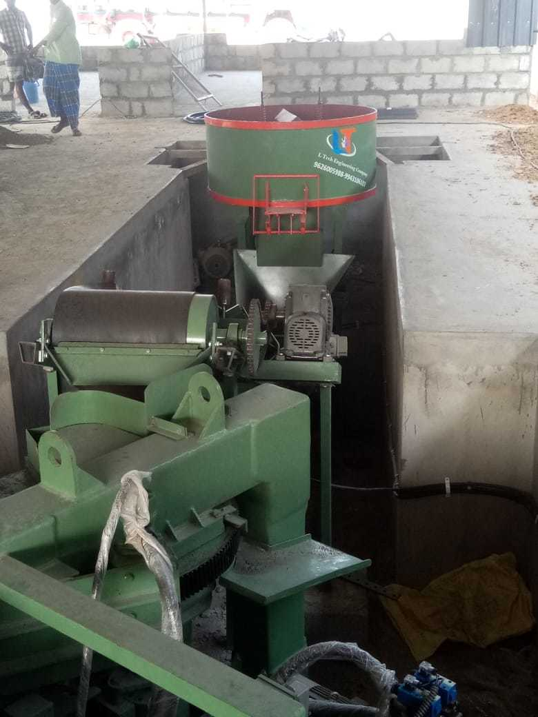 Semi Automatic Brick Making Press