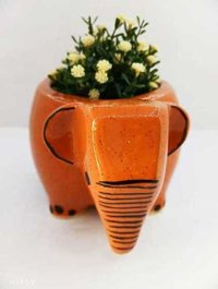 Elephant shape pot S