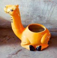 Camel planter
