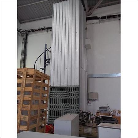 External Cargo Lift