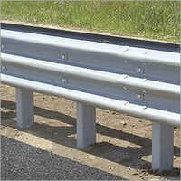 W Wear Crash Barrier