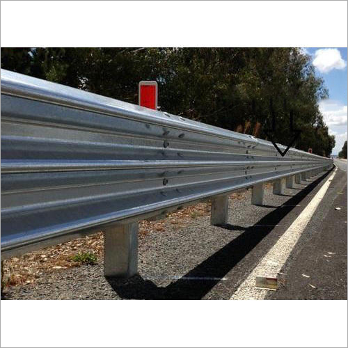 Thrie Beam Crash Barrier