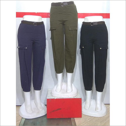 Women Regular Fit Solid Cropped Peg Trousers