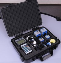 Hand held ultrasonic flow meter
