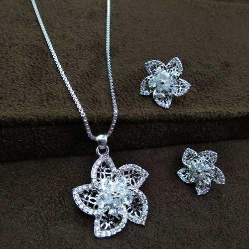 Immitation Jewellery Silver Plated pendant Set