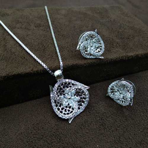Immitation Jewellery Silver Plated pendant Set