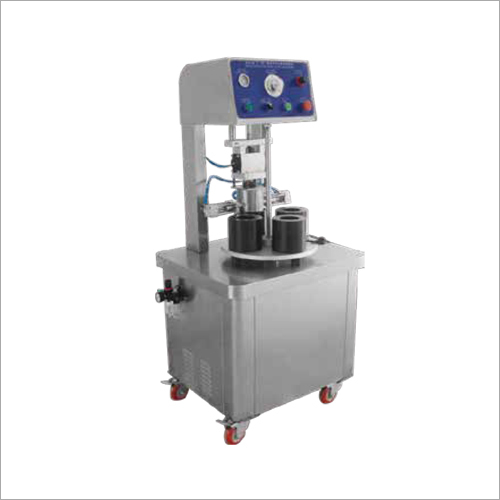 Four Tooling Glass Bottle Vacuum Capping Machine