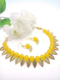 Glass Beaded Necklace with Earrings