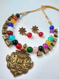 Pendant Multicolor Beaded Necklace with Earrings