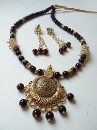 Beaded Jumkhi Necklace