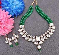 Kundan Beaded Necklace Set