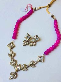 Single Line Kundan Necklace Set