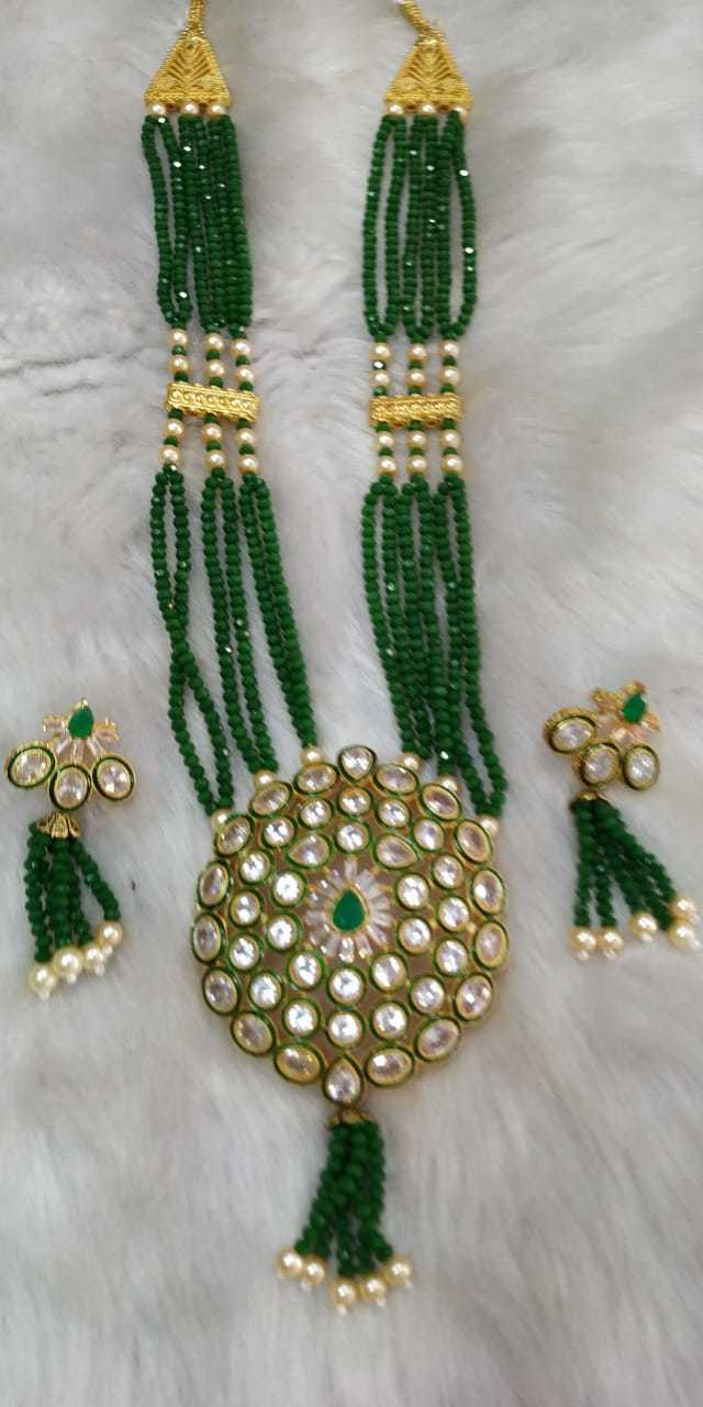 Kundan Pendant Moti Necklace Set