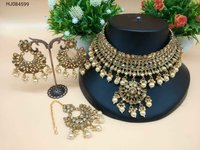 Metal Kundan Choker Necklace Set