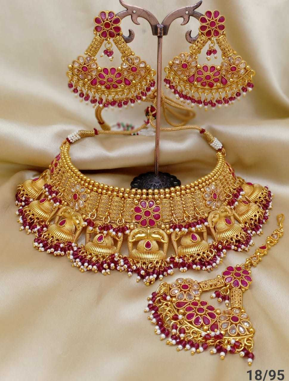 Golden Bridal Necklace Wit Stone Set