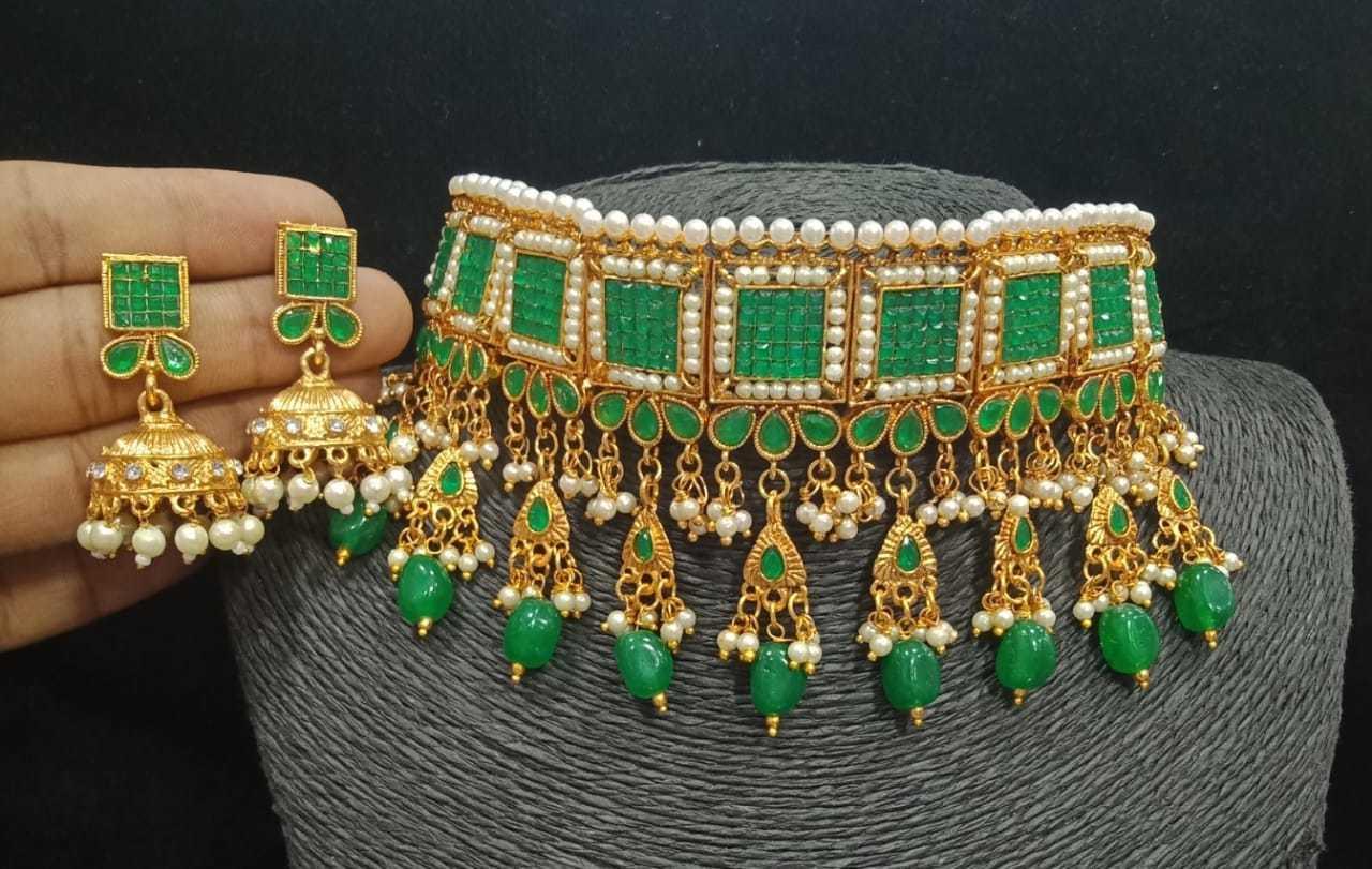 Stone Choker Necklace Set