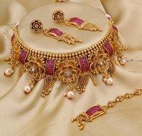 Matt Choker Necklace Set