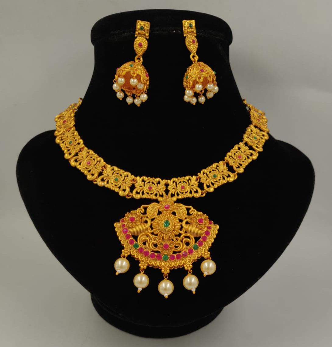 Golden Metal Necklace Set