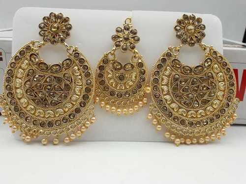 Kundan Earrings with Maang Tika