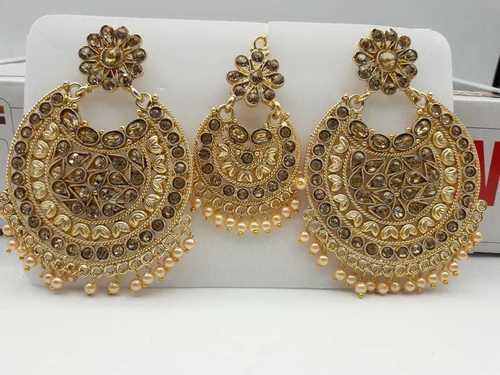 Kundan Earrings with Maang Tika