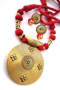 Round Pendant Threaded Necklace Set