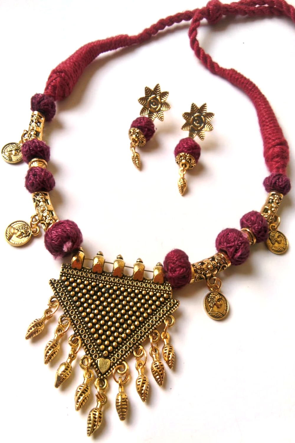 Threaded Party Necklace Set
