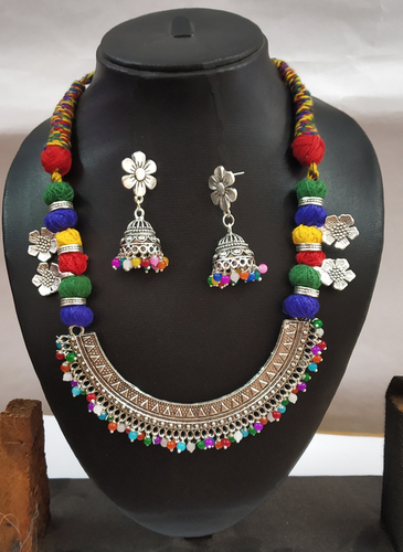 Multi Threaded Half Round Pendant Necklace Set