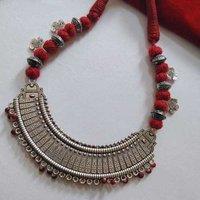 Oxidized Pendant Threaded Necklace Set