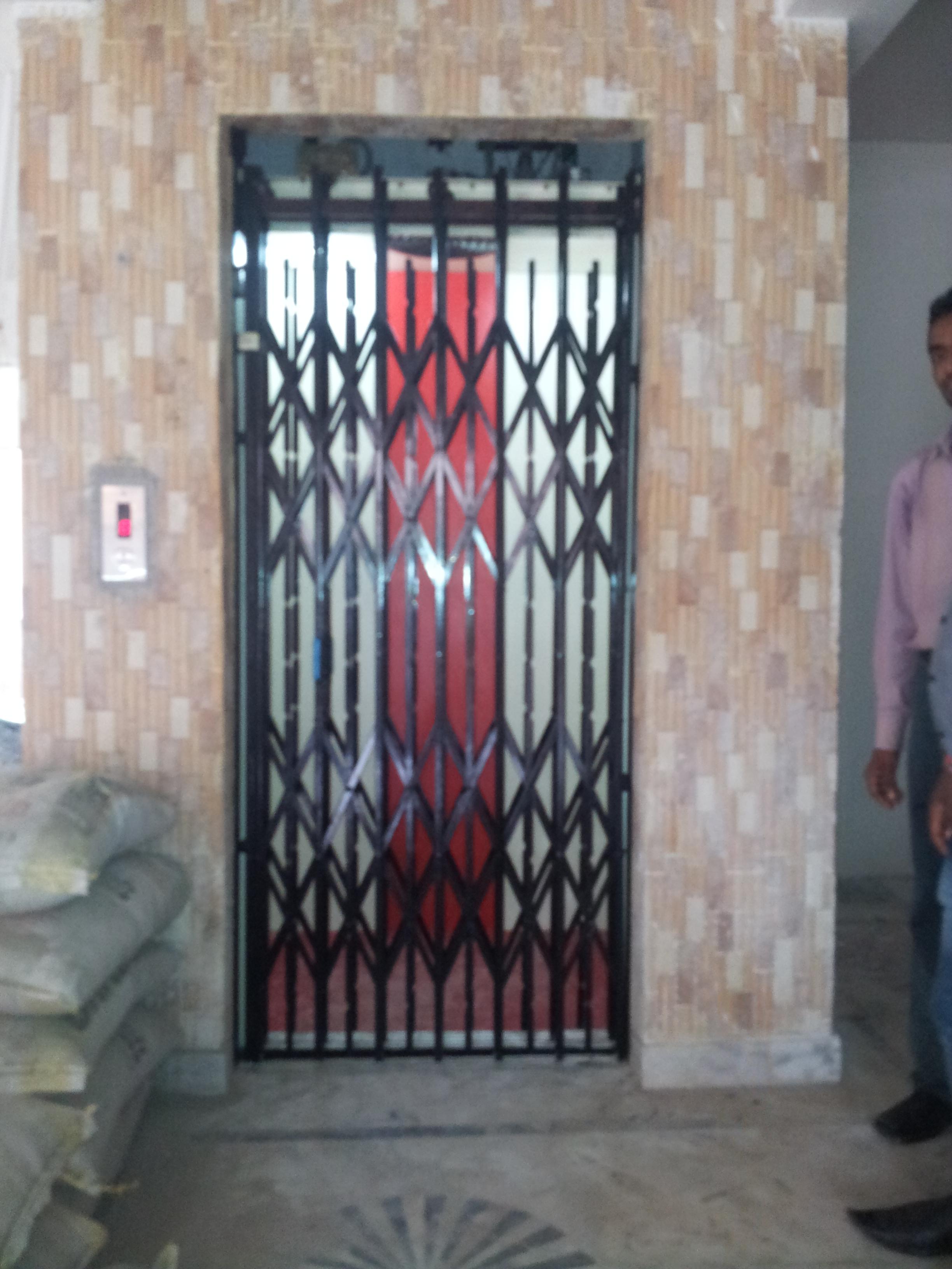 Mild Steel Manual Passenger Elevator