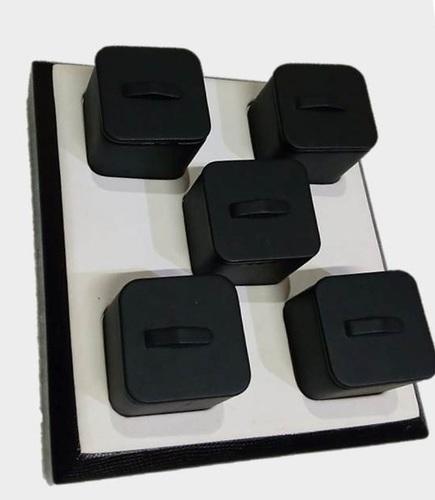 Black -White Ring Display Stand