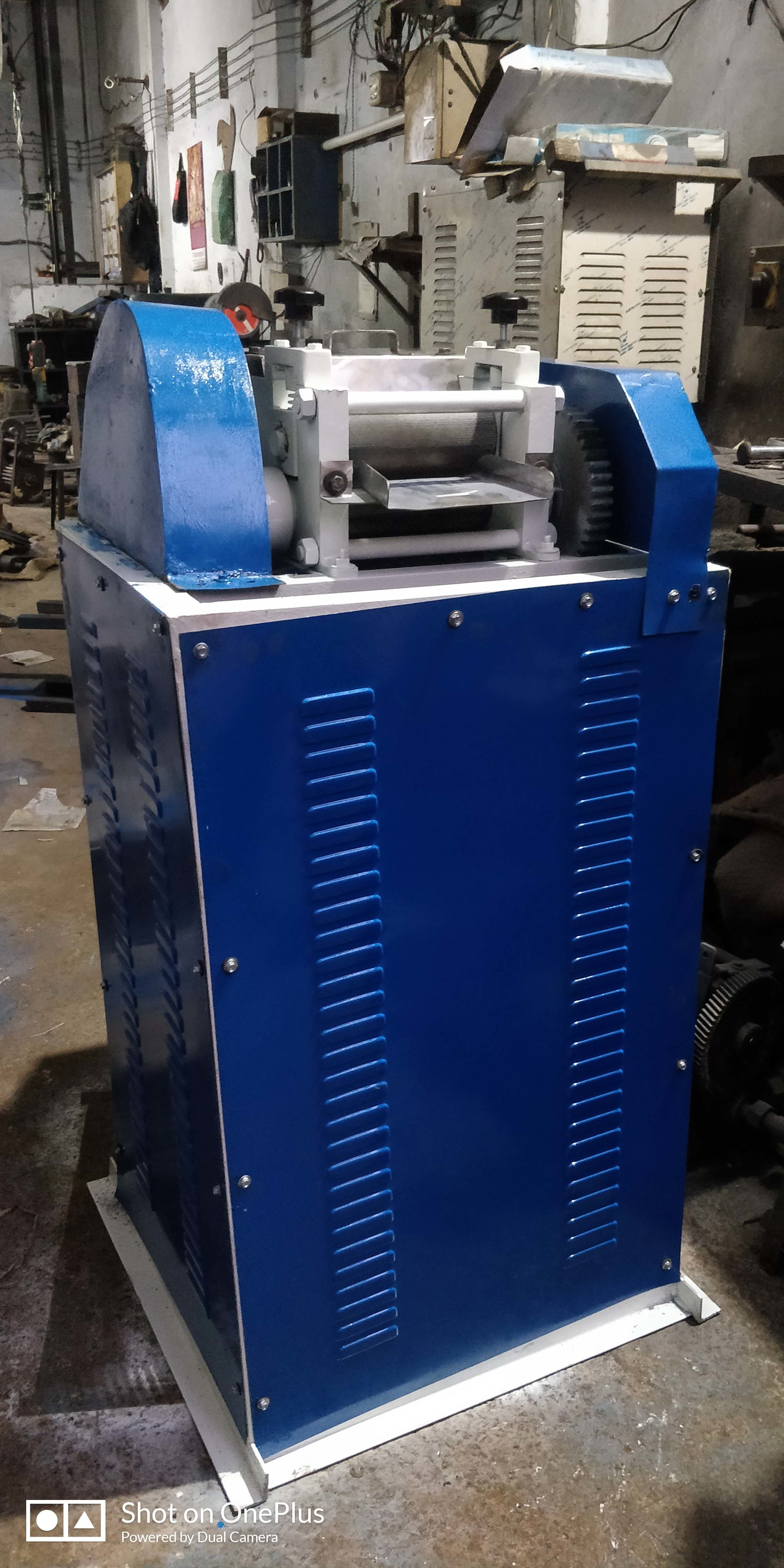 Plastic Dana Cutting Machine