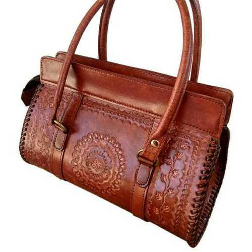 woman sling bags