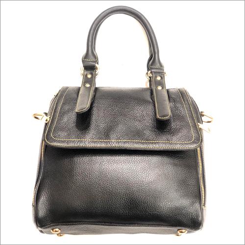 سيدات حقيبة سوداء جلديّة